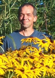 Serge dans jardin